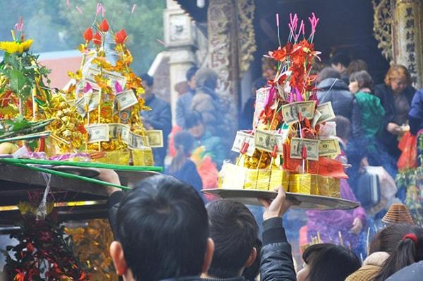 Nên sắm lễ vật gì khi lễ chùa đầu năm 2017?