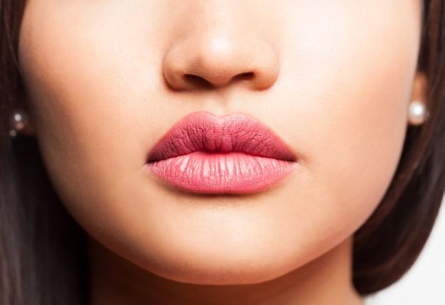 Shiseido3_son-duong-co-mau