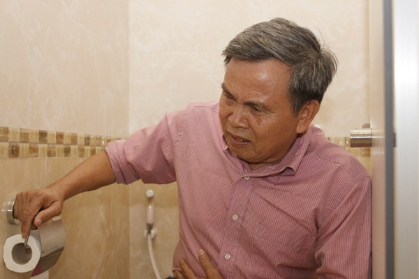Nguyên nhân, triệu chứng và cách điều trị bệnh tiêu chảy ở người già 2
