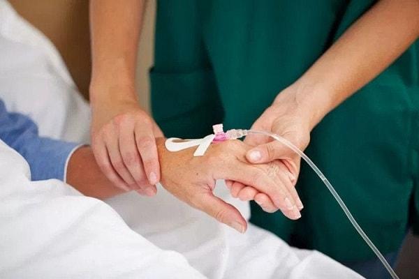 Nguyên nhân, triệu chứng và cách điều trị bệnh tiêu chảy ở người già 3