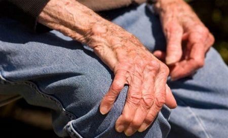 Phân biệt bệnh teo não và bệnh Parkinson 2