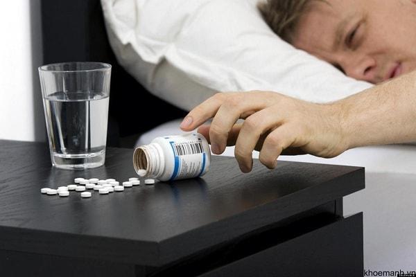 Vì sao bị mất ngủ sau khi dừng thuốc chữa bệnh trầm cảm 1