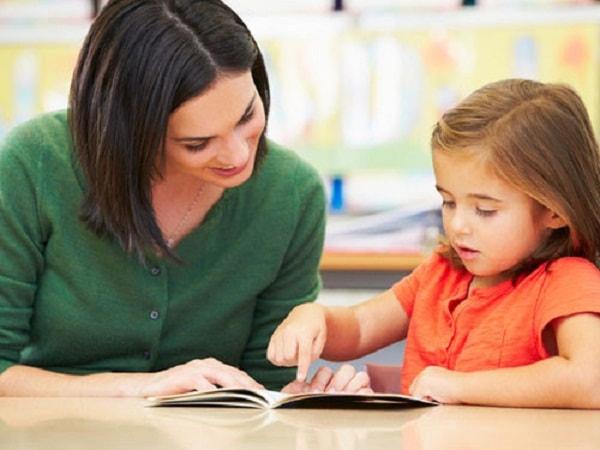 Không nên dạy trước chương trình học cho trẻ