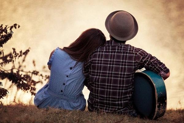 yêu bạn trai hơn 2 tuổi 1