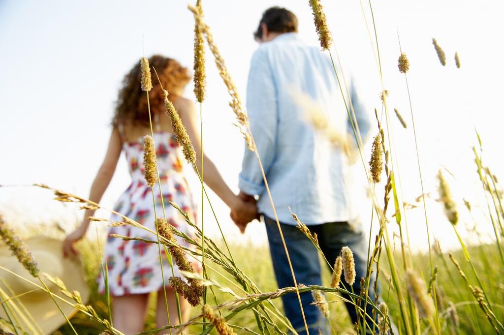 Dành thời gian nhiều hơn để quan tâm và thể hiện tình cảm với người mình yêu