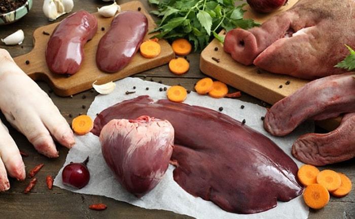 Nam giới bị yếu sinh lý không nên ăn quá nhiều nội tạng động vật