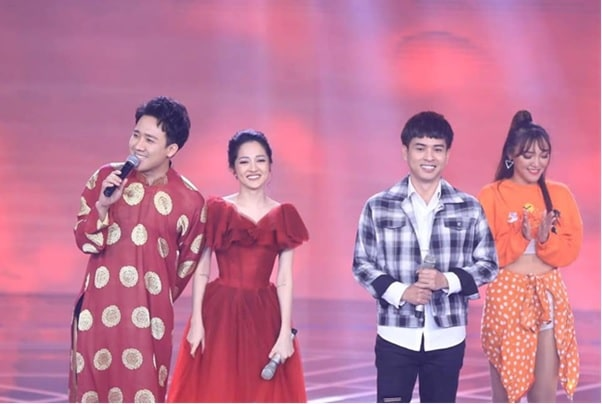 Hồ Quang Hiếu và Bảo Anh cùng xuất hiện trên sân khấu