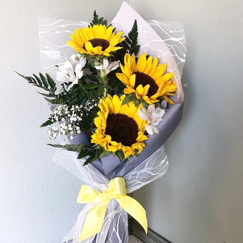 Sinh nhật người yêu đồng tính nam nên tặng hoa hướng dương