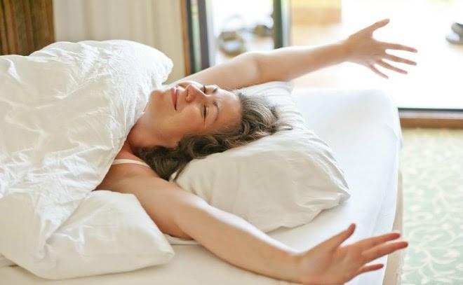 Đi bộ buổi sáng giúp cải thiện chất lượng giấc ngủ